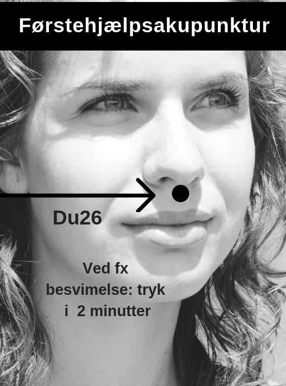 Punktet hedder Du 26. Brug én finger til at stimulere punktet blidt i ca. 2 minutter. Gentag evt. proceduren.